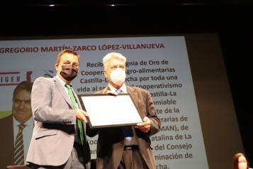 El consejero de Agricultura, Agua y Desarrollo Rural clausura la Asamblea General Ordinaria de Cooperativas Agro-Alimentarias de Castilla-La Mancha