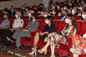 La consejera de Igualdad y portavoz del Gobierno de Castilla-La Mancha, Blanca Fernández, asiste al Pleno de toma de posesión de Adolfo Muñiz como alcalde de Puertollano.