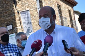 El vicepresidente de Castilla-La Mancha, José Luis Martínez Guijarro, visita Hiendelaencina (I)