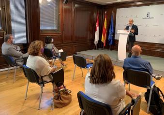 El director general de Programas de Empleo mantiene una reunión con representantes de los agentes sociales y económicos de la provincia de Guadalajara