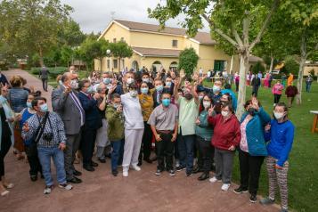 Inauguración de las nuevas viviendas con apoyos de la Asociación para la Atención a Personas con Discapacidad Intelectual o del Desarrollo y sus Familias de la provincia de Cuenca (ASPADEC) Bienestar Social
