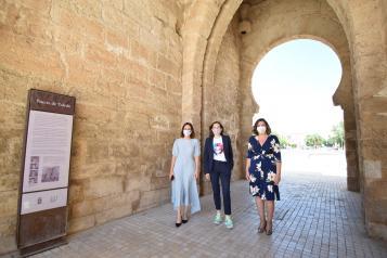 El Gobierno de Castilla-La Mancha promociona el potencial turístico de Toledo y Talavera de la Reina a través de la visión de Boticaria García