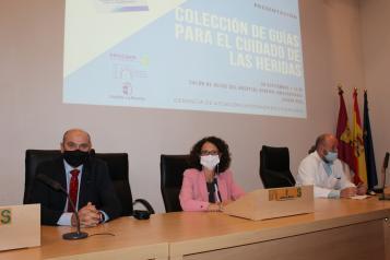 El Gobierno regional presenta una colección de Guías para el cuidado de heridas basada en los protocolos de trabajo de la Gerencia de Ciudad Real