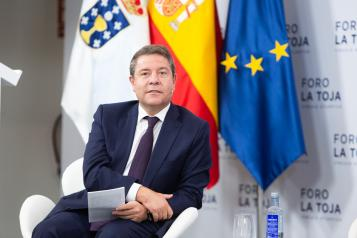 El presidente regional, Emiliano García-Page, interviene, en el III Foro La Toja – Vínculo Atlántico