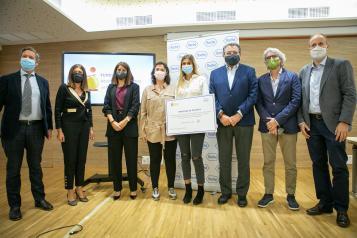 Acto de entrega del cheque beca 'Stop Fuga de Cerebros'