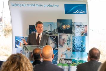 Primera piedra de la nueva planta de Linde Gas España