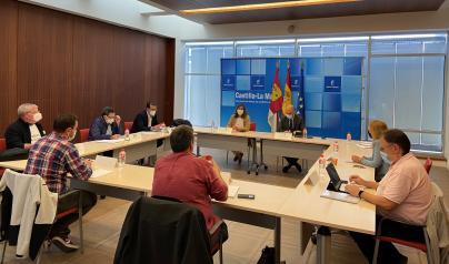 El Gobierno de Castilla-La Mancha y los representantes de los trabajadores de la Mesa Sectorial inician el proceso de negociación para la recuperación de la carrera profesional en el SESCAM