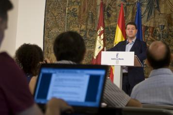 El presidente de Castilla-La Mancha, Emiliano García-Page, presenta el Gobierno regional