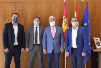 El Gobierno de Castilla-La Mancha presenta el modelo de transporte sensible a la demanda a los grupos de desarrollo local de la región