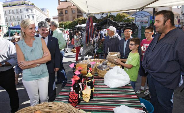 Casero asiste a la IX edición del Mercado Tradicional de Tomelloso