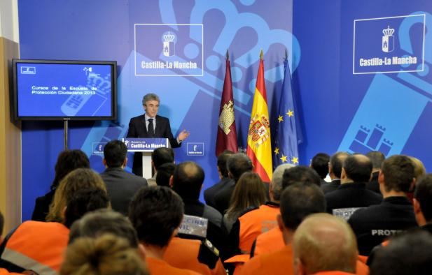 Leandro Esteban presenta la oferta formativa de la Escuela Protección Ciudadana