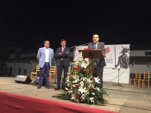 El consejero de Agricultura destaca el esfuerzo de los viticultores y pide que sigan apostando por mejorar la calidad