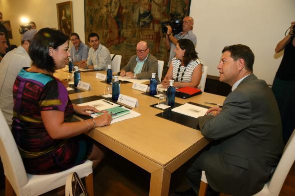El presidente de Castilla-La Mancha, Emiliano García-Page, mantiene un encuentro con los sindicatos sobre la situación de Elcogas