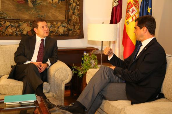 Reunión del presidente García-Page con el alcalde de Albacete, Javier Cuenca