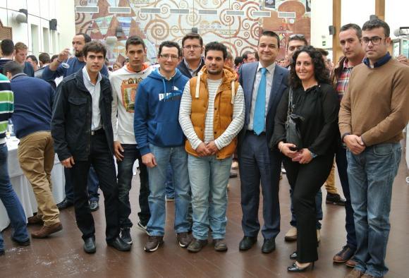 Francisco Martínez Arroyo con 300 jóvenes agricultores y ganaderos de Castilla-La Mancha en Tomelloso