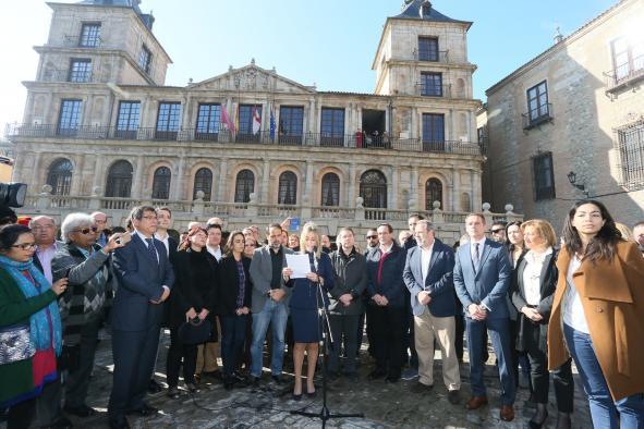 Concentración en Toledo por los atentados de París