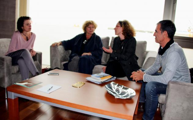 Encuentro con la directora internacional del Festival Voix Vives