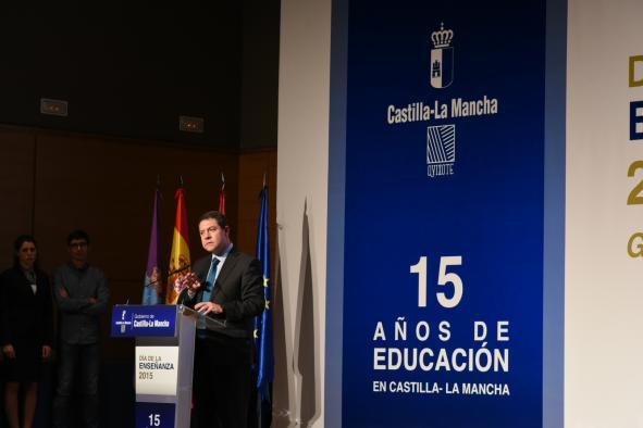 El presidente de Castilla-La Mancha, Emiliano García-Page,  preside el acto institucional del Día de la Enseñanza, en Guadalajara