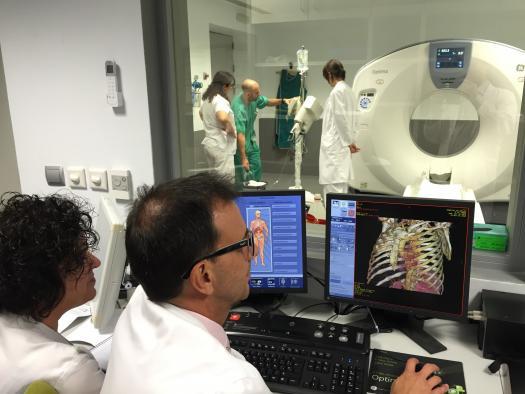 El Gobierno regional dota al Hospital de Hellín de un nuevo TAC que evitará la derivación de pacientes a otros centros sanitarios