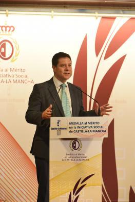 Emiliano García-Page preside el acto de entrega de medallas al mérito en la iniciativa social