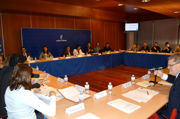 El Gobierno regional muestra las líneas de acción del Plan Adelante a la comisión del Eje 1 del Pacto por la Recuperación Económica
