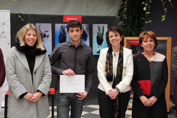 El Gobierno regional rinde homenaje al ganador de la fase regional de XVI Concurso Hispanoamericano de Ortografía