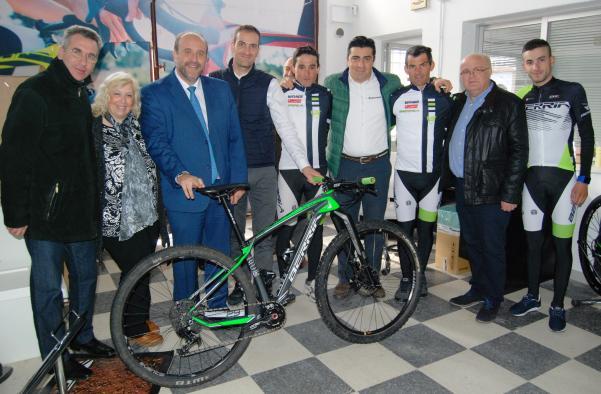 El Gobierno regional respaldará proyectos empresariales como Berria Bike que generen actividad y creación de empleo