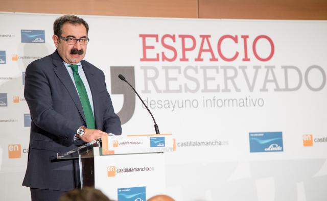 Jesús Fernández asiste a la presentación de la gerente del Hospital Nacional de Parapléjicos