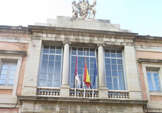 Castilla-La Mancha, una de las comunidades autónomas que menos incrementó su deuda en 2015