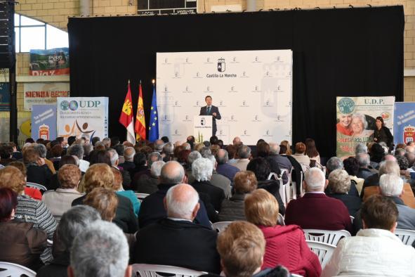 El presidente de Castilla-La Mancha, Emiliano García-Page, clausura las jornadas de envejecimiento activo y saludable, en Quintanar del Rey (Cuenca)