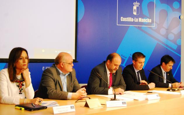 El vicepresidente José Luis Martínez Guijarro en la presentación de las actividades que tendrán lugar en la provincia de Albacete