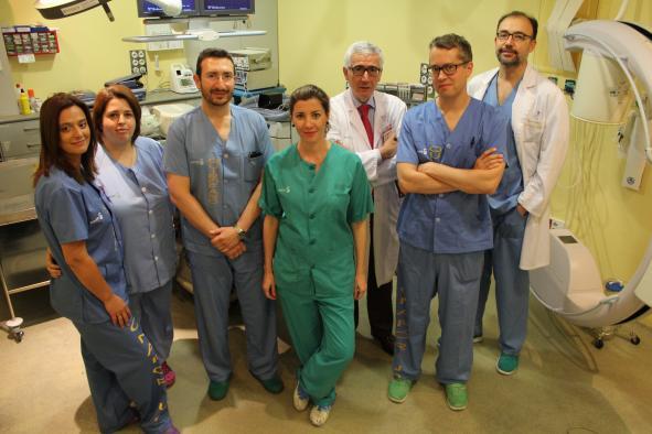 El Hospital de Toledo, primer centro español que implanta un desfibrilador cardiaco subcutáneo compatible con resonancias magnéticas