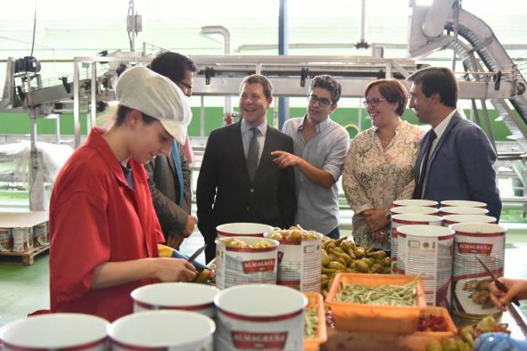 Visita a las instalaciones de la fábrica de berenjenas 'Vicente Malagón, S.A' en Almagro