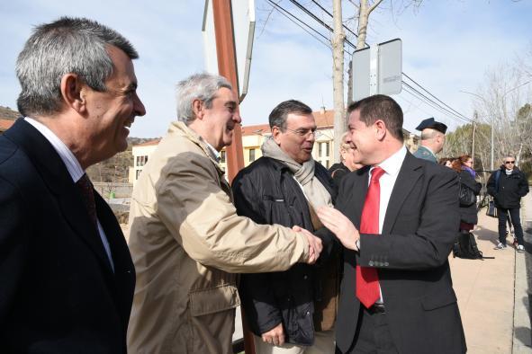 Inauguración de la nueva travesía en la carretera CM-2011
