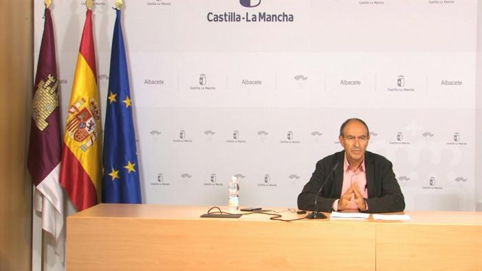 Nicolás Merino durante su comparecencia para informar de los Premios al Mérito Empresarial de CLM