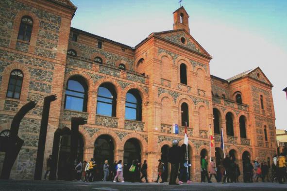 Comienza el proceso de admisión para las enseñanzas de lenguas extranjeras en las Escuelas Oficiales de Idiomas y CEPAS de Castilla-La Mancha
