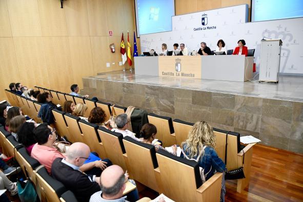 Los vocales de los tribunales de oposiciones a docentes han participado por primera vez en acciones formativas para coordinar y mejorar su labor