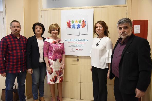 Más de 1.600 familias han participado en 2019 en 180 talleres de las Aulas de Familia del Gobierno de Castilla-La Mancha
