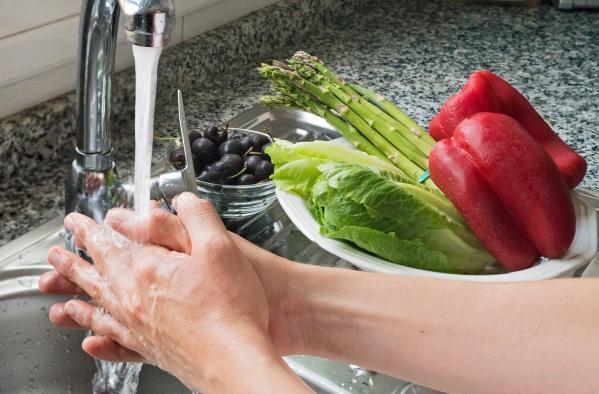 El Gobierno regional ofrece unas pautas para la correcta conservación de los alimentos durante la compra y su almacenamiento en casa