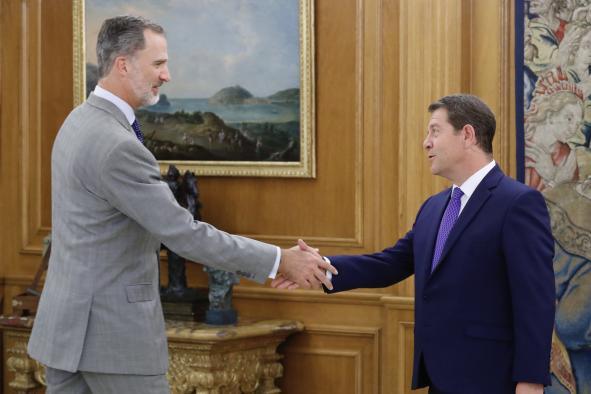 El presidente García-Page traslada al rey Felipe VI los principales retos y proyectos de Castilla-La Mancha para los próximos cuatro años