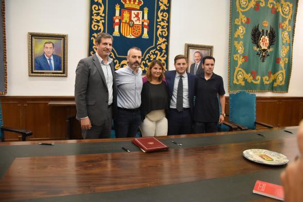 El Gobierno regional ratifica el Pacto Social por el Ferrocarril de la provincia de Toledo junto al Ayuntamiento de Talavera de la Reina y los agentes sociales