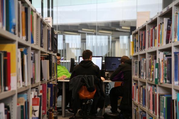El Gobierno regional adjudica una línea de ayudas destinadas al fomento de la investigación postdoctoral para jóvenes menores de 30 años
