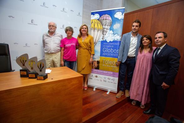 La consejera de Educación, Cultura y Deportes, Rosa Ana Rodríguez, presenta el XXVI Campeonato de España de Aerostación