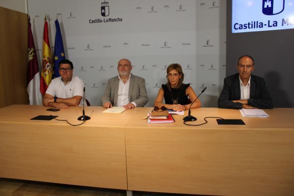 Reunión de la Delegación de la Junta en Albacete con CCOO y UGT