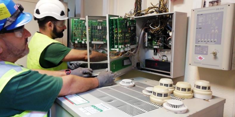 La Gerencia de Valdepeñas invierte 67.000 euros en la renovación de los sistemas contra incendios del hospital y del centro de salud nº I