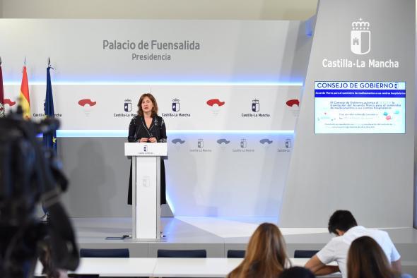 Rueda de prensa consejera de Igualdad y portavoz, Blanca Fernández (II)