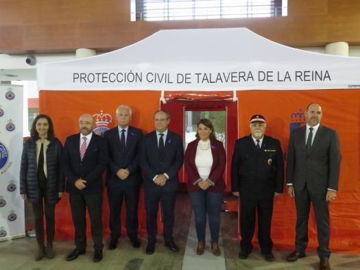 El Gobierno regional ha destinado 1,3 millones de euros a dotar de medios materiales y uniformes a las agrupaciones de Protección Civil