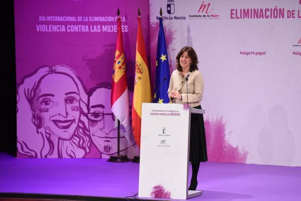 El Gobierno de Castilla-La Mancha pide una marea humana que actúe de muro de contención contra la violencia de género