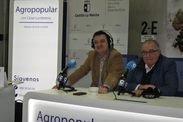 El consejero de Agricultura, Medio Ambiente y Desarrollo Rural, Francisco Martínez Arroyo participa en el programa agrario radiofónico 'Agropopular'
