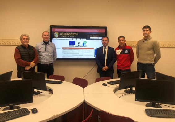 El Gobierno regional ha modernizado ya la dotación y el equipamiento informático en 277 centros educativos de la provincia de Toledo